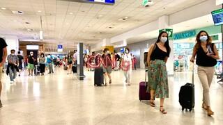 Καρέ - καρέ η αυξημένη κίνηση στο «Ελευθέριος Βενιζέλος»