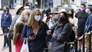 Κορωνοϊός: Γιατί οι ειδικοί φοβούνται τα αστικά κέντρα - Ελπιδοφόρα νέα για το εμβόλιο της Οξφόρδης