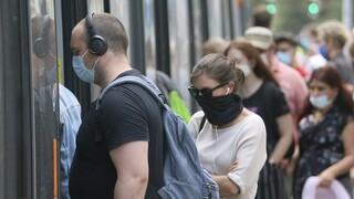Κορωνοϊός: Επαναφορά της υποχρεωτικής χρήσης μάσκας στα σούπερ μάρκετ εξετάζει η Αυστρία