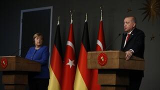 Επικοινωνία Ερντογάν - Μέρκελ για διμερείς σχέσεις, Λιβύη και Συρία