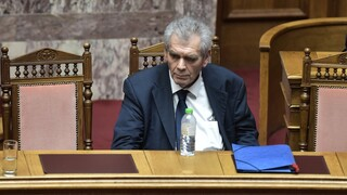 Βουλή: Σε ειδικό δικαστήριο παραπέμπεται ο Παπαγγελόπουλος με 177 «ναι»