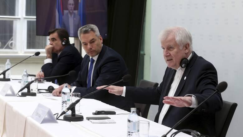 Πλατφόρμα «έγκαιρης προειδοποίησης» για έλεγχο της μετανάστευσης εισηγείται ο Ζεεχόφερ