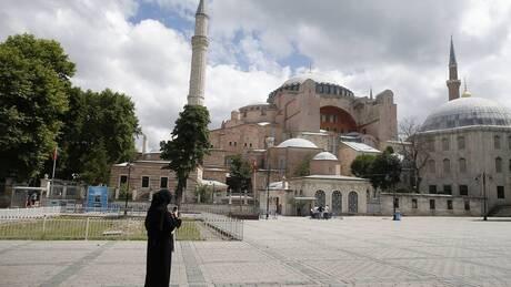 Αγία Σοφία: Live εικόνα από την τελευταία πράξη της μετατροπής σε τζαμί