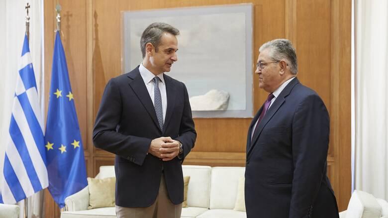 Συναντήσεις Μητσοτάκη με πολιτικούς αρχηγούς: Στόχος η συνεννόηση και ο γόνιμος διάλογος