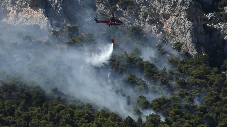 Φωτιά στις Κεχριές: Σε κατάσταση έκτακτης ανάγκης πέντε οικισμοί