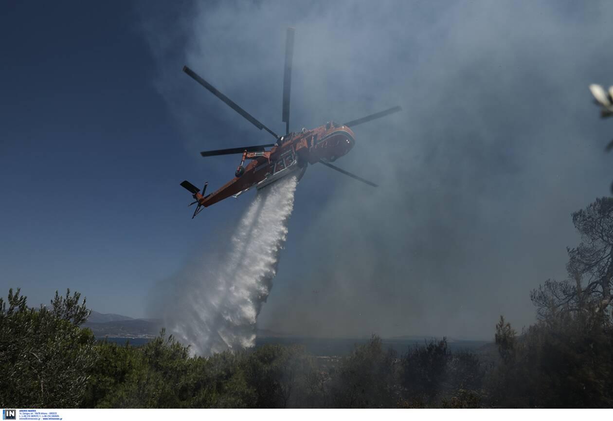 https://cdn.cnngreece.gr/media/news/2020/07/24/228448/photos/snapshot/fotia-kexries-6.jpg