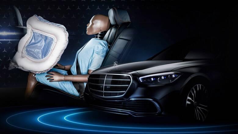 Η νέα Mercedes S-Class θα έχει τους πρώτους μετωπικούς αερόσακους για τους πίσω επιβάτες