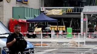 Βερολίνο: Αυτοκίνητο έπεσε πάνω σε πεζούς – Τουλάχιστον πέντε τραυματίες