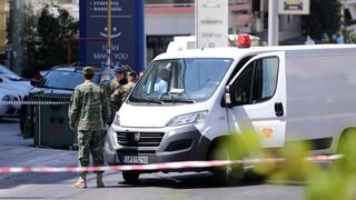 Κερατσίνι: Ο Στρατός απομάκρυνε τη χειροβομβίδα που βρέθηκε σε κατάστημα