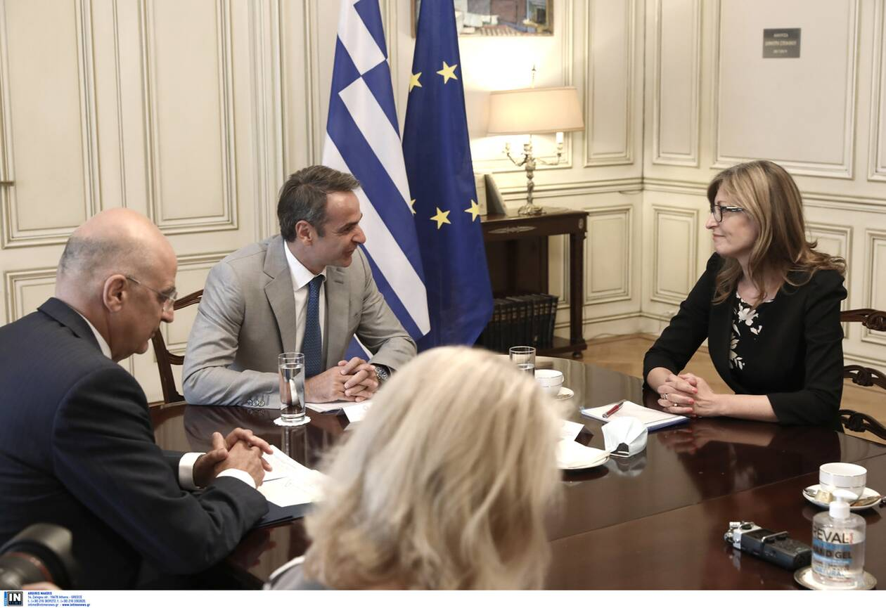 https://cdn.cnngreece.gr/media/news/2020/07/27/228710/photos/snapshot/zaxarieva_mitsotakis2.jpg