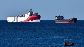 «Παγώνει» ο απόπλους του Oruc Reis – «Ξεπαγώνουν» οι διερευνητικές επαφές Ελλάδας-Τουρκίας