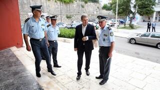 Στη Μύκονο ο Χρυσοχοϊδης - Αυστηρές εντολές στους αστυνομικούς για ελέγχους