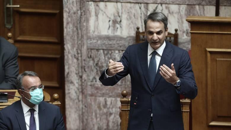 Κόντρα κορυφής στη Βουλή για αναδρομικά και προστασία α' κατοικίας
