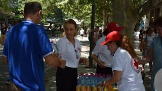 Ο Ελληνικός Ερυθρός Σταυρός βοηθά τους συμπολίτες μας τις ημέρες του καύσωνα