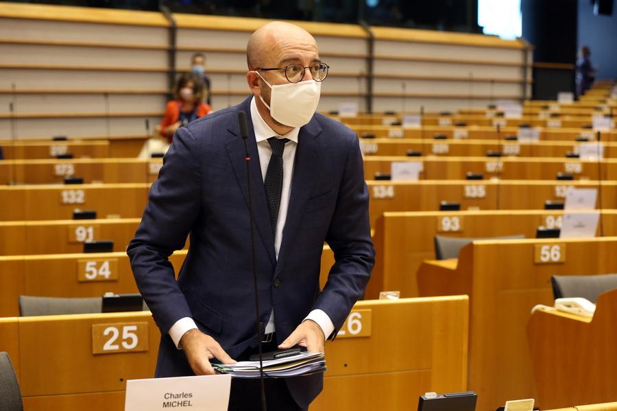 Και τώρα η Ευρωβουλή: Η μάχη για τα ευρωπαϊκά κονδύλια δεν τέλειωσε