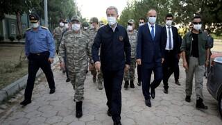 Στα ελληνοτουρκικά σύνορα ο Ακάρ με όλη την ηγεσία των Ενόπλων Δυνάμεων