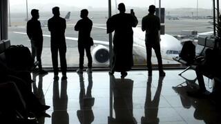 Σύσταση ΠΟΥ: Διασυνοριακά ταξίδια μόνο για απαραίτητο λόγο