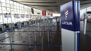Κορωνοϊός: Η αεροπορική εταιρεία LATAM περικόπτει το ένα τρίτο του προσωπικού της