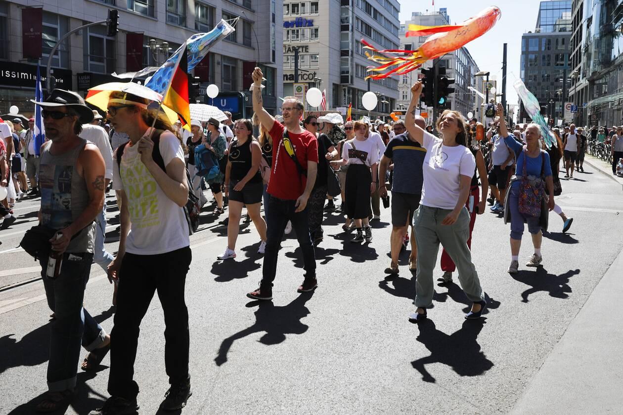 https://cdn.cnngreece.gr/media/news/2020/08/01/229310/photos/snapshot/berlin_diadilosi-5.jpg