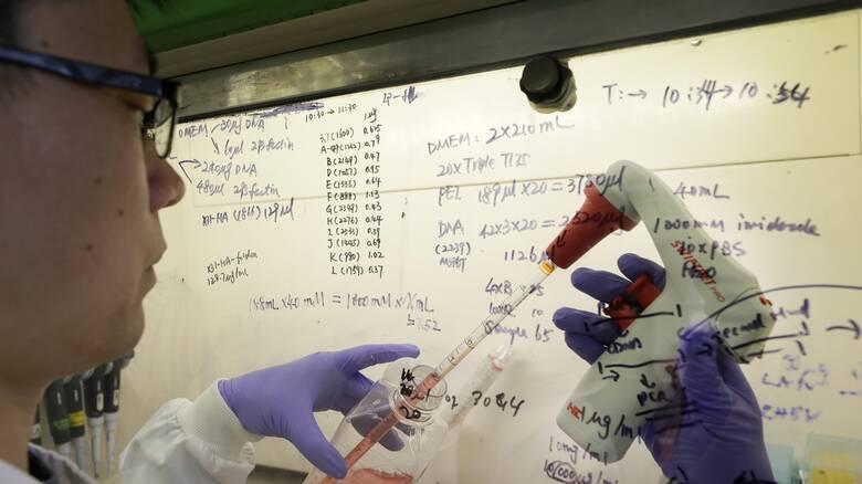 Κορωνοϊός – Επίτροπος Υγείας ΕΕ: Αρχές του 2021 πιθανόν το εμβόλιο κατά του Covid 19