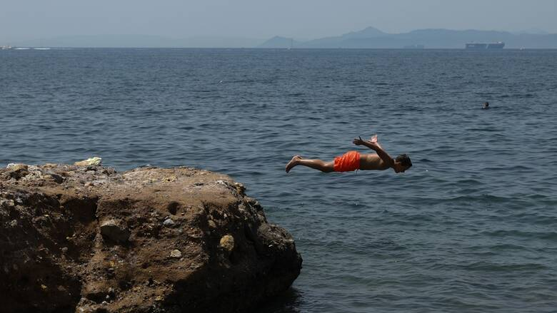 Καλοκαίρι 2020: Ποιες παραλίες της Αττικής είναι ακατάλληλες για κολύμπι