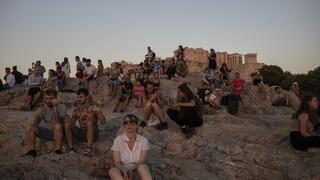 Κορωνοϊός: Στο «μικροσκόπιο» των ειδικών η συμπεριφορά των νέων