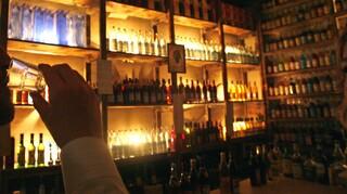 Κορωνοϊός: Τελευταία μέρα όρθιοι σε μπαρ - Όσα αλλάζουν από Δευτέρα