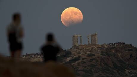 Αυγουστιάτικη πανσέληνος: Σήμερα το μεγαλύτερο φεγγάρι του έτους – Δωρεάν εκδηλώσεις