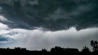 Ξεκίνησε η έλευση της κακοκαιρίας «Θάλεια»: Καταιγίδες, χαλάζι και πλημμύρες στη Βόρεια Ελλάδα