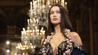 Μπέλα Χαντίντ: Μιλάει για το ρατσισμό στη βιομηχανία της μόδας