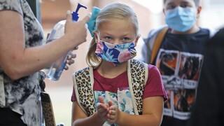 Επιστημονική ανατροπή: Η εξάπλωση του κορωνοϊού στα σχολεία ευκολότερη απ΄ όσο πιστεύαμε
