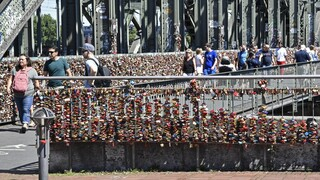 Κορωνοϊός – Γερμανία: Αυστηρότερους περιορισμούς και νέο lockdown περιμένουν οι πολίτες