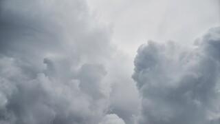 Καιρός: Επιμένει η κακοκαιρία και σημέρα - Πού θα βρέξει