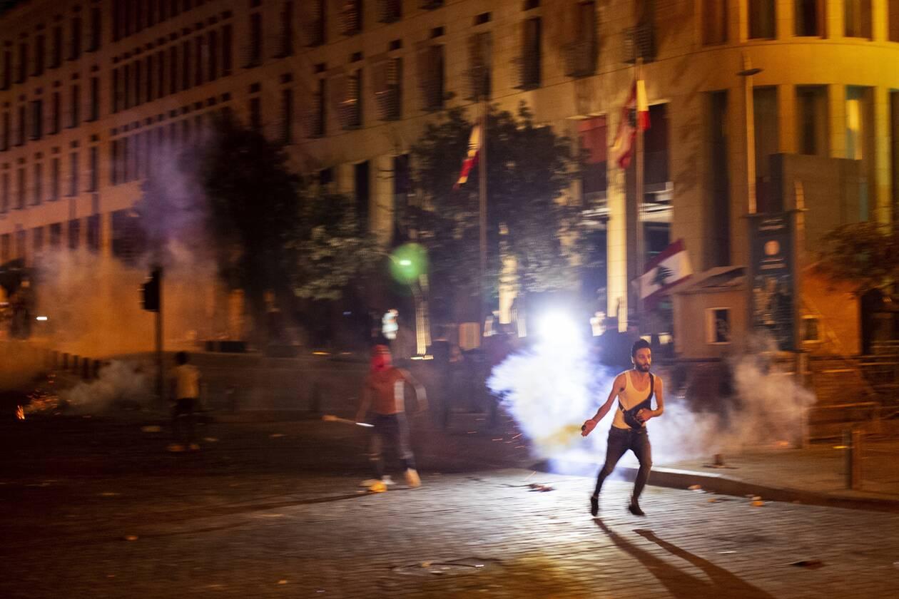 https://cdn.cnngreece.gr/media/news/2020/08/07/229905/photos/snapshot/beirut_protests-1.jpg