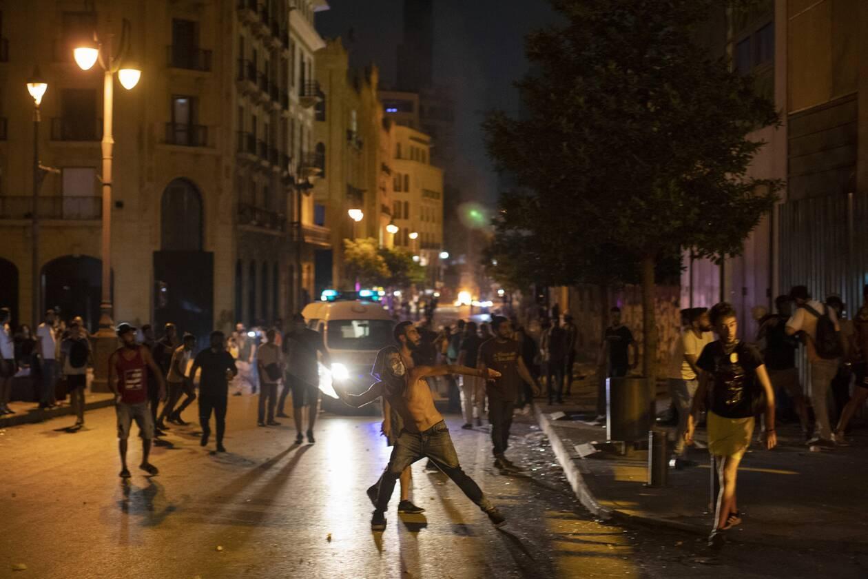 https://cdn.cnngreece.gr/media/news/2020/08/07/229905/photos/snapshot/beirut_protests-4.jpg