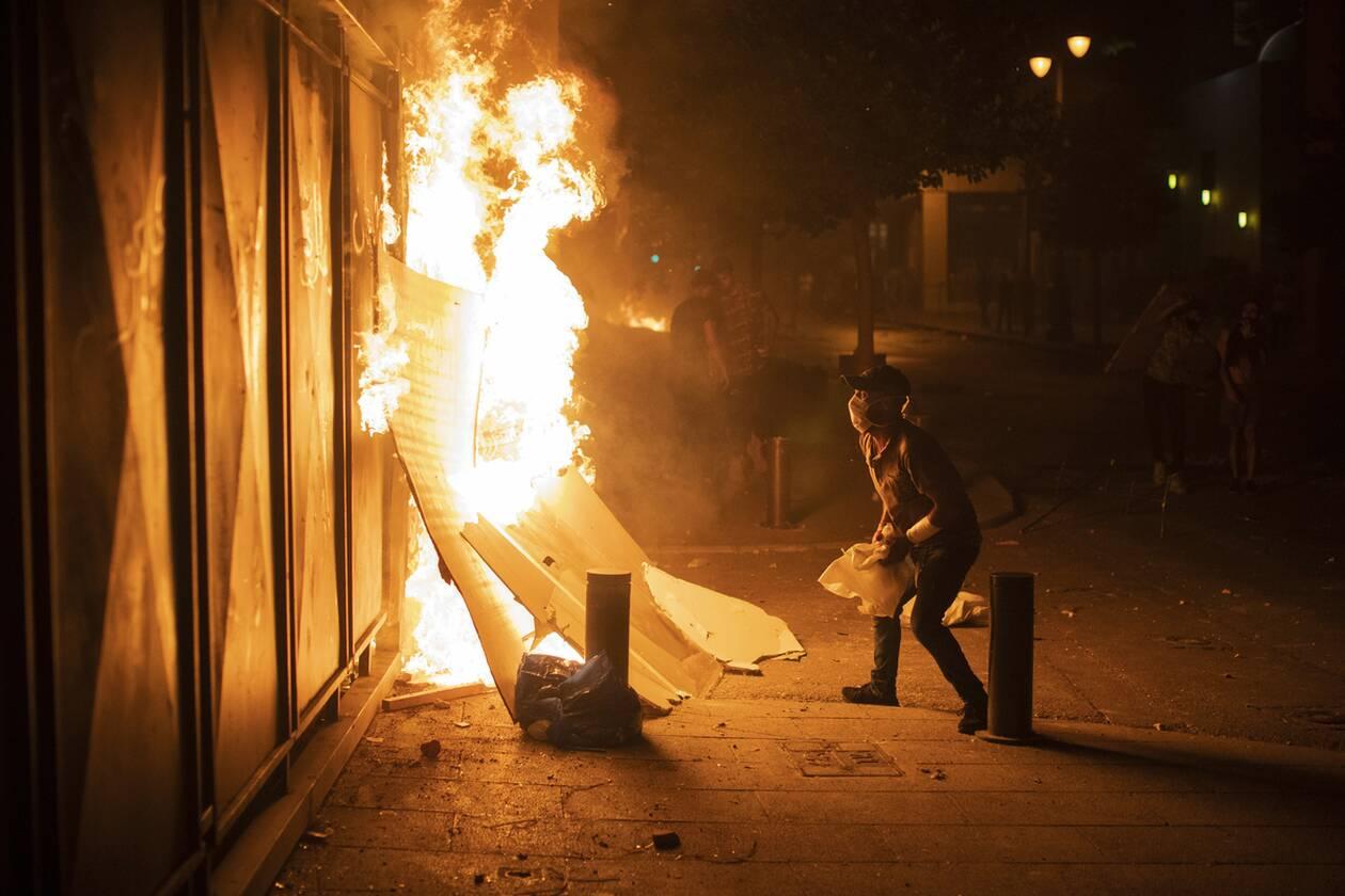 https://cdn.cnngreece.gr/media/news/2020/08/07/229905/photos/snapshot/beirut_protests-5.jpg