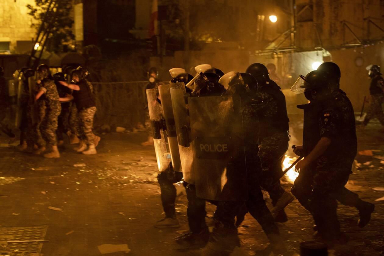 https://cdn.cnngreece.gr/media/news/2020/08/07/229905/photos/snapshot/beirut_protests-8.jpg