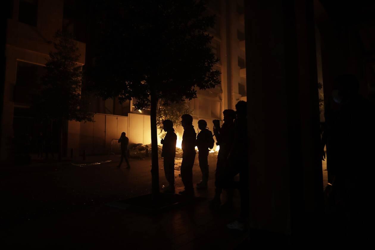 https://cdn.cnngreece.gr/media/news/2020/08/07/229905/photos/snapshot/beirut_protests-9.jpg