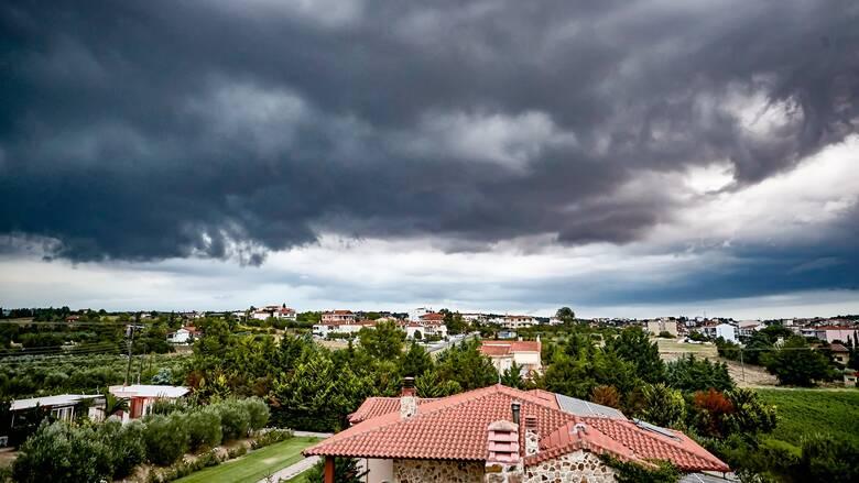 Κακοκαιρία «Θάλεια»: Καταιγίδες και στην Αττική - Ποιες περιοχές θα πλήξει