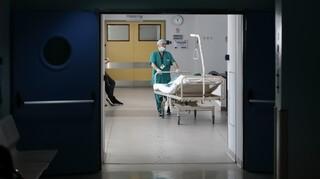 Κορωνοϊός: Κατέληξε γυναίκα στον Ευαγγελισμό - Στους 211 οι νεκροί