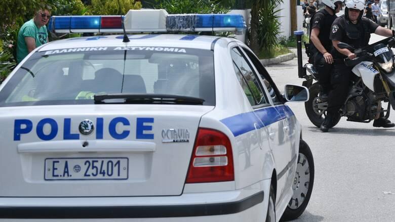 Κινηματογραφική καταδίωξη στην Κρήτη - Φορτηγάκι εμβόλισε περιπολικό