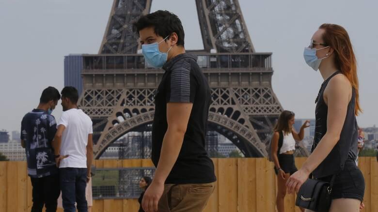 Κορωνοϊός - Παρίσι: Υποχρεωτική η μάσκα και στους εξωτερικούς χώρους
