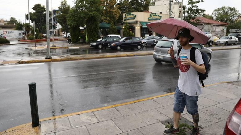Συνεχίζεται την Κυριακή το βροχερό σκηνικό του καιρού - Πού θα κυμανθεί η θερμοκρασία
