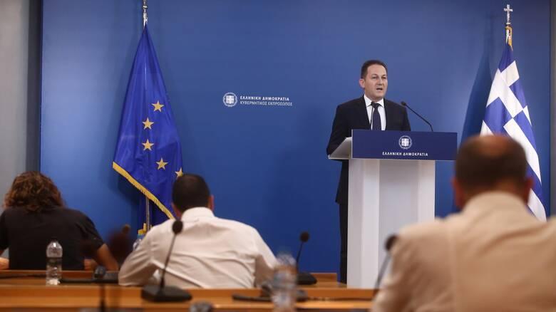 Πέτσας: Γίνονται συζητήσεις για την επανεκκίνηση των διερευνητικών επαφών με την Τουρκία