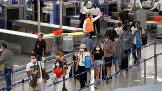 Με αρνητικό τεστ κορωνοϊού θα εισέρχονται στην Ελλάδα όσοι έρχονται αεροπορικώς από Μάλτα