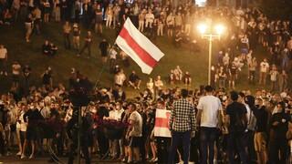 Εκλογές Λευκορωσία: Βίαιες συγκρούσεις και ένας νεκρός μετά τη νίκη Λουκασένκο