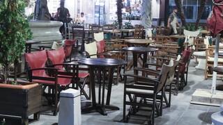 Κορωνοϊός - Διασκέδαση με… ωράριο: Άδειασαν μπαρ και εστιατόρια τα μεσάνυχτα