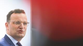 Κορωνοϊός - Εμβόλιο Sputnik V: Ανεπαρκείς οι δοκιμές λέει ο Γερμανός υπουργός Υγείας