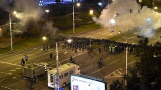 Λευκορωσία: 1.000 νέες συλλήψεις και χρήση πραγματικών πυρών από την αστυνομία εναντίον διαδηλωτών