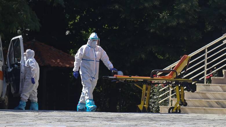 Κορωνοϊός στην Ελλάδα: Δύο ακόμη θάνατοι σε λίγες ώρες - Στους 218 οι νεκροί